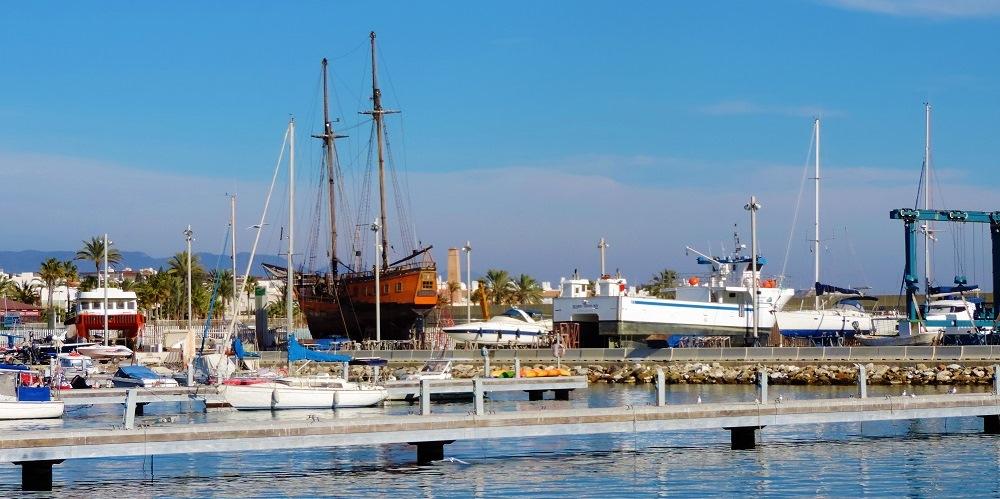 Vera-playa apartamento Urb. Aldea de Puerto Rey