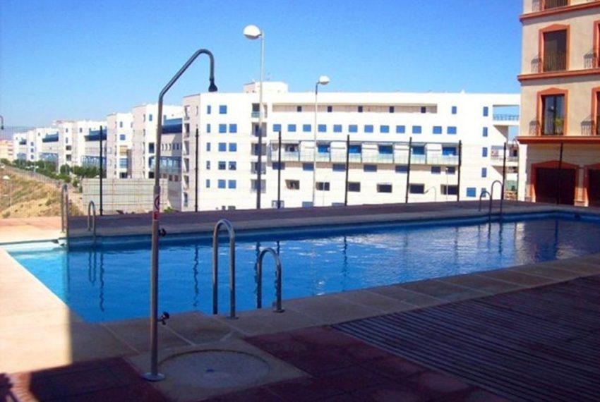 1.-piscina